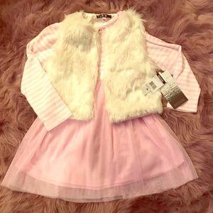 🆕❄️Kensie Fur vest/ Striped Dress ❄️